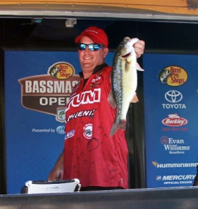 Day-1-Lake-Norman-Weighin-2014-22_90